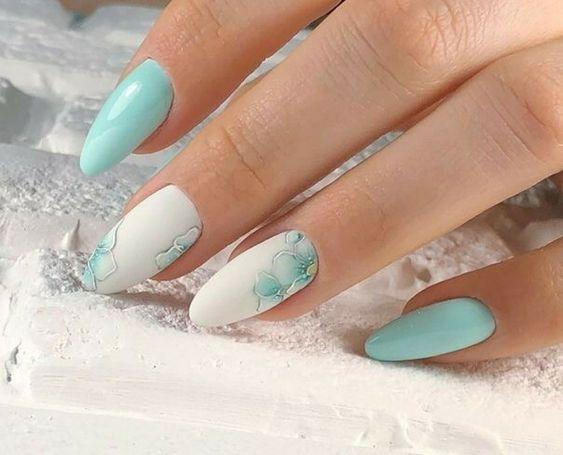 Miętowe paznokcie hybrydowe