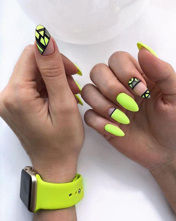 Neonowe paznokcie na lato