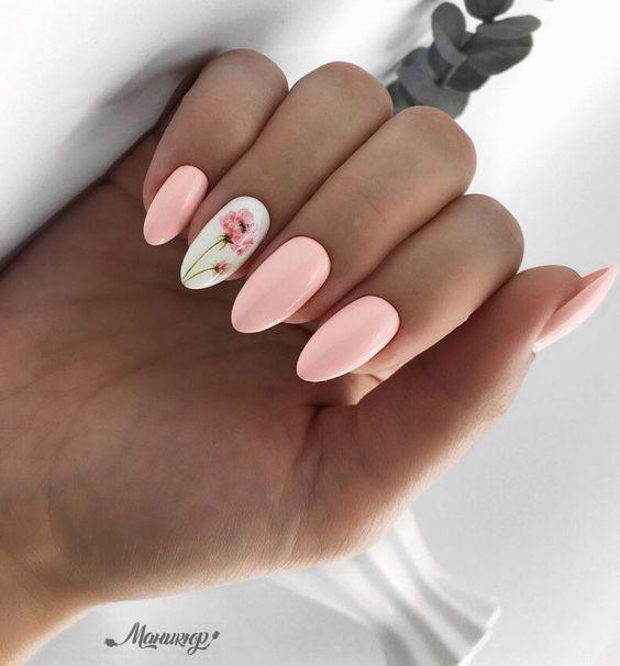 Pastelowe paznokcie z wzorkiem
