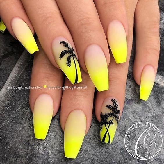 Neonowe paznokcie z palmami