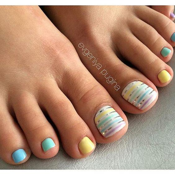 Pastelowe paznokcie u stóp