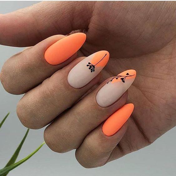 Pomarańczowe paznokcie na lato 2019