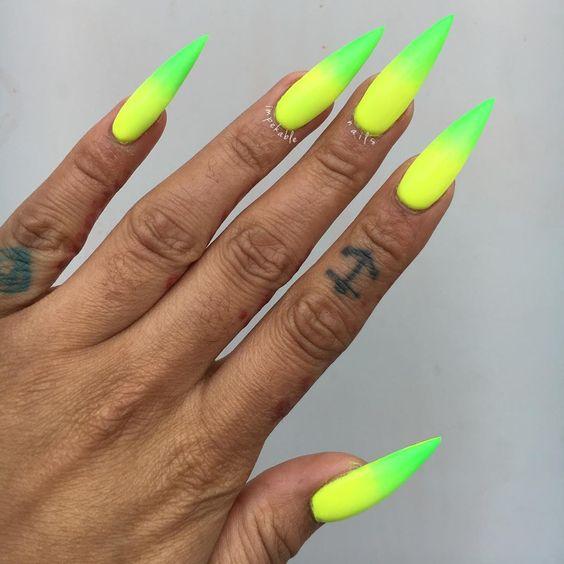 Pomysły na neonowe paznokcie 2019