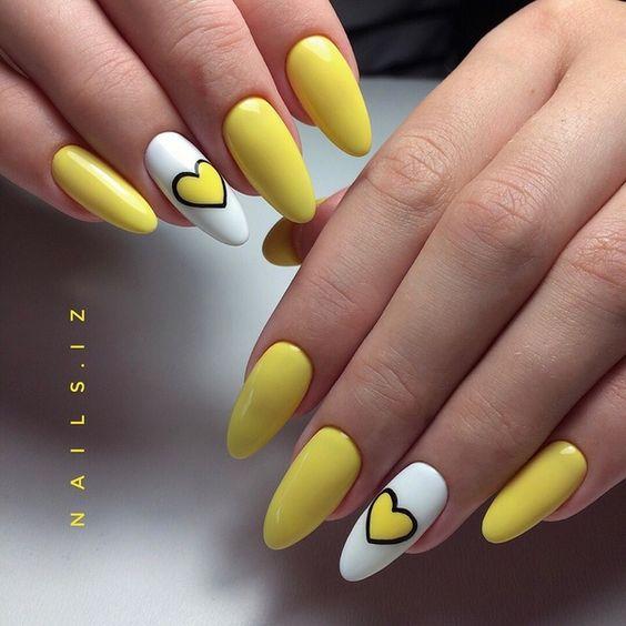 Pomysły na żółte paznokcie