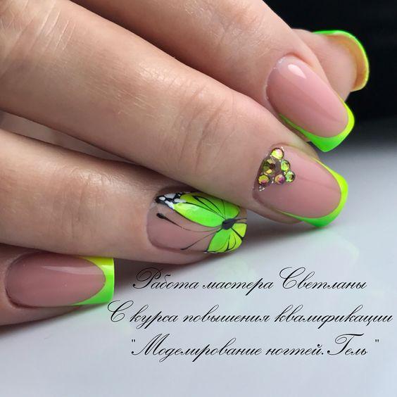 Zielone paznokcie hybrydowe z wzorkiem