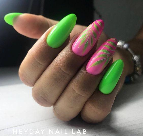 Zielono różowe paznokcie
