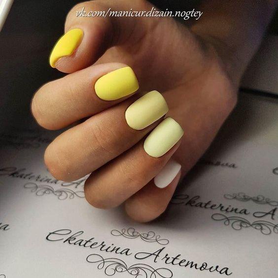 Żółte paznokcie w macie