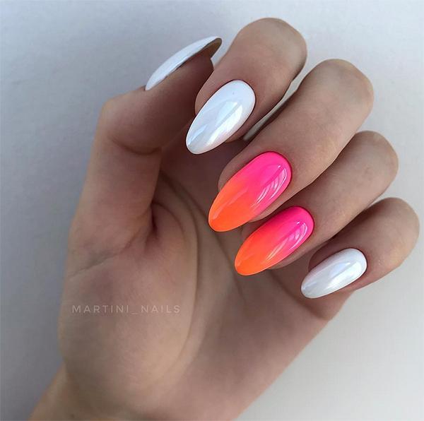Kolorowe ombre na paznokciach