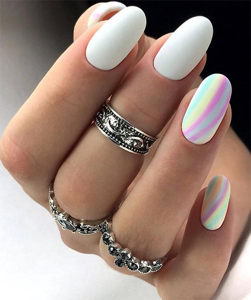 Kolorowe paznokcie z tęczą