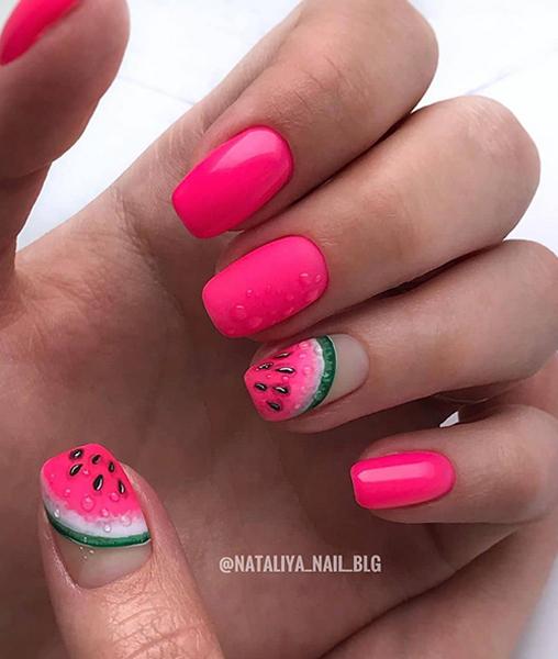 Malinowe paznokcie z arubuzem