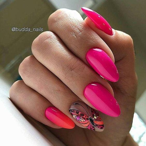 Malinowe paznokcie z motylem