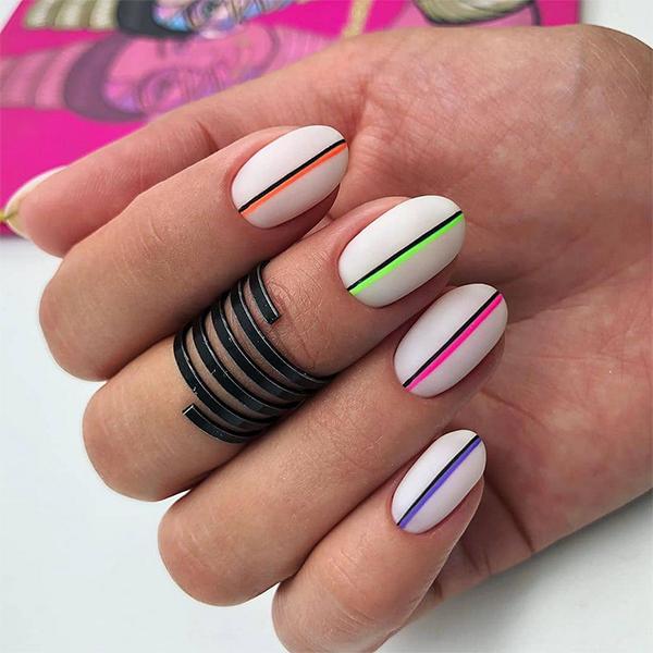 Matowe kolorowe paznokcie na lato