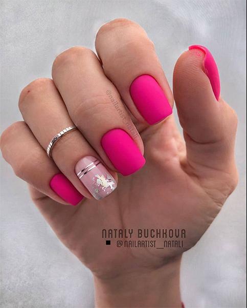 Matowe paznokcie malinowe