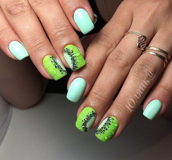 Miętowe paznokcie z kiwi