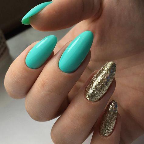 Turkusowo złote paznokcie