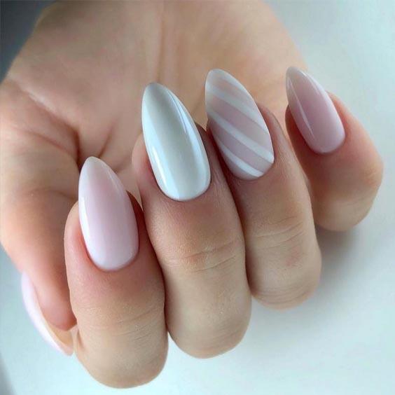 Biały manicure szkolny 2019