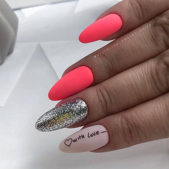Brokatowe paznokcie w macie