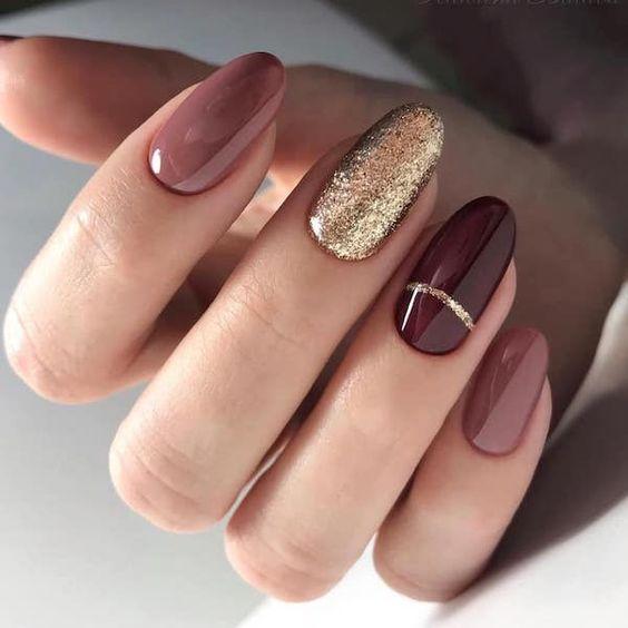 Bordowo brązowe paznokcie