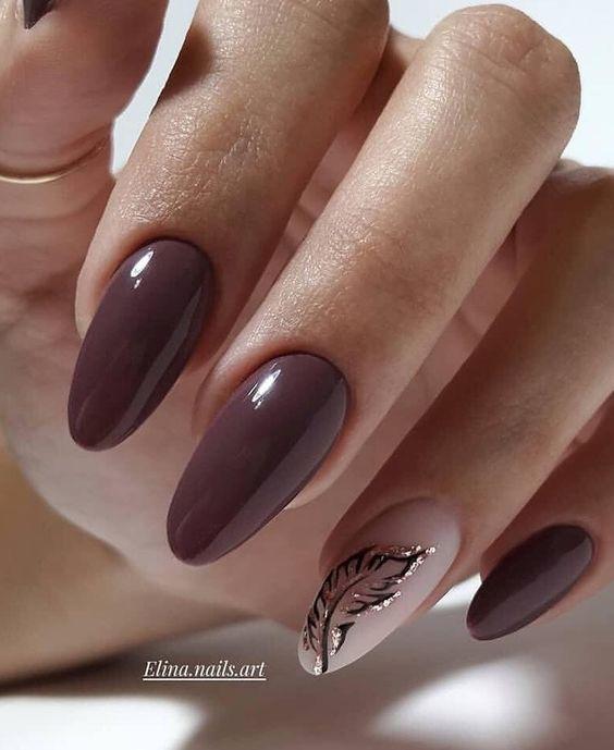Brązowe paznokcie na jesień