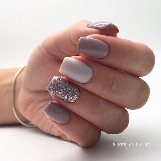 Brokatowe szare paznokcie