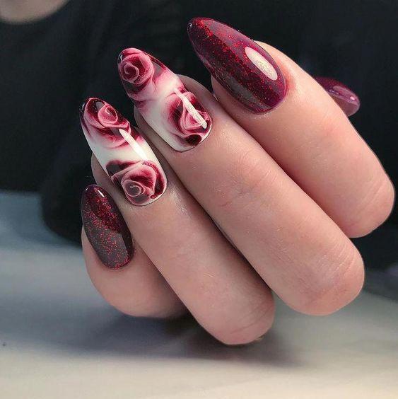 Ciemnoczerwone paznokcie na jesień