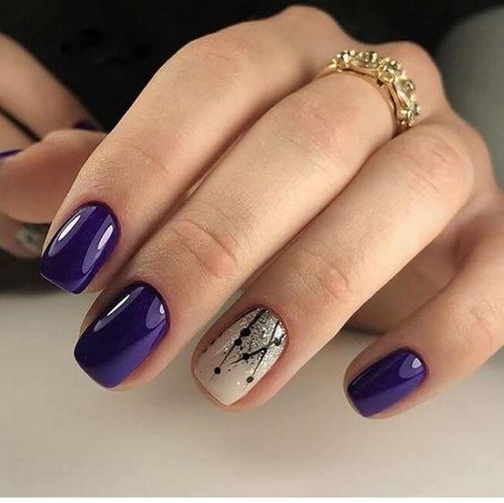 Fioletowo beżowe paznokcie