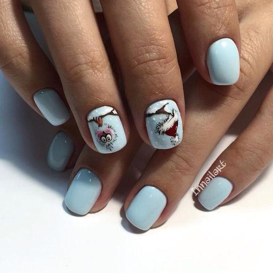 Błękitne paznokcie na zimę