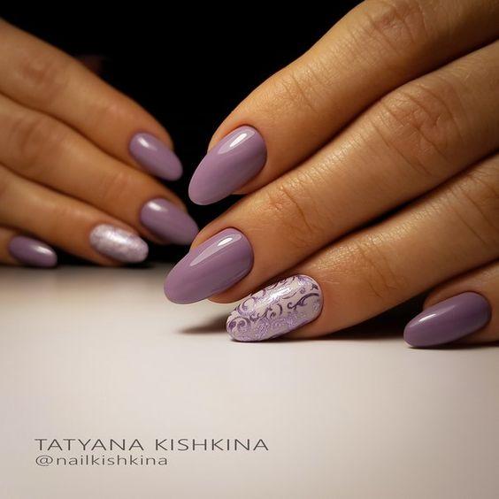 Brudnofioletowe paznokcie na jesień