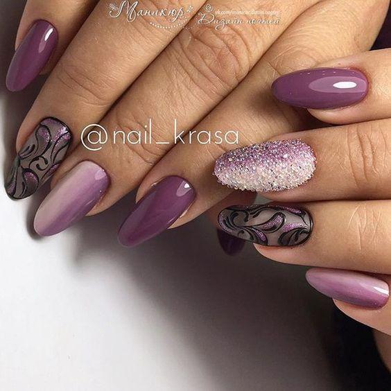 Ciemnofioletowy manicure na jesień