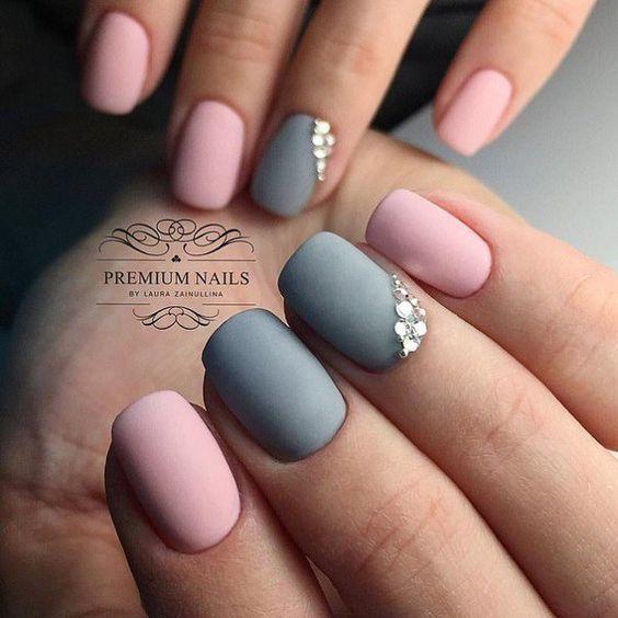 Matowy manicure na jesień