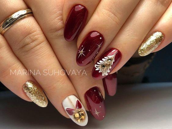 Bordowe paznokcie na święta