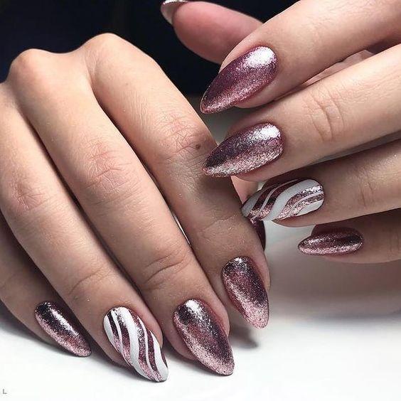 Brokatowe paznokcie na Sylwestra