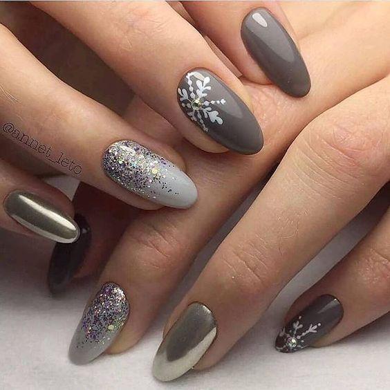 Szary manicure na zimę