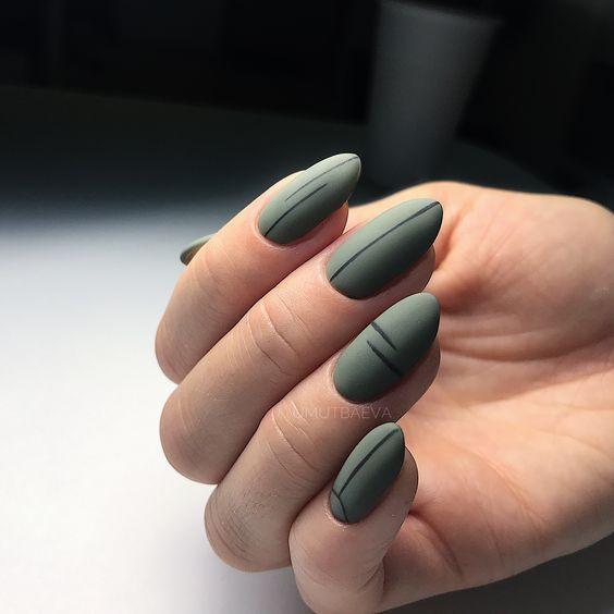 Ciemne paznokcie na jesień
