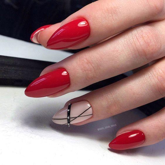 Czerwony manicure z wzorkami
