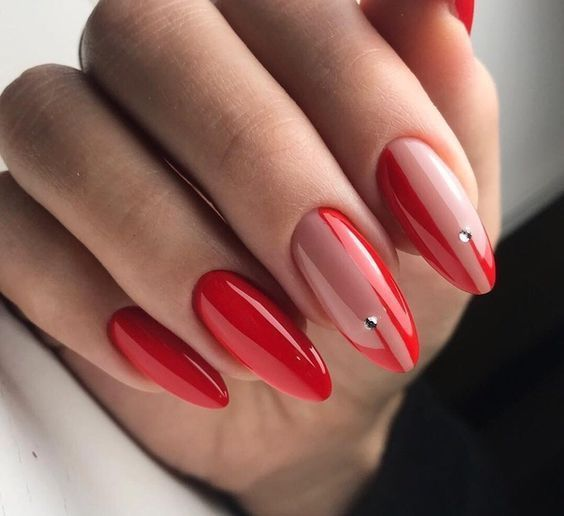 Eleganckie czerwone paznokcie