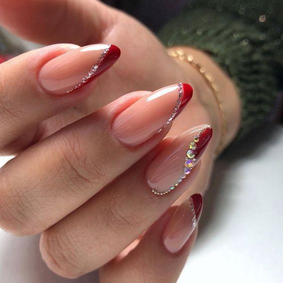 Paznokcie z czerwonym frenchem