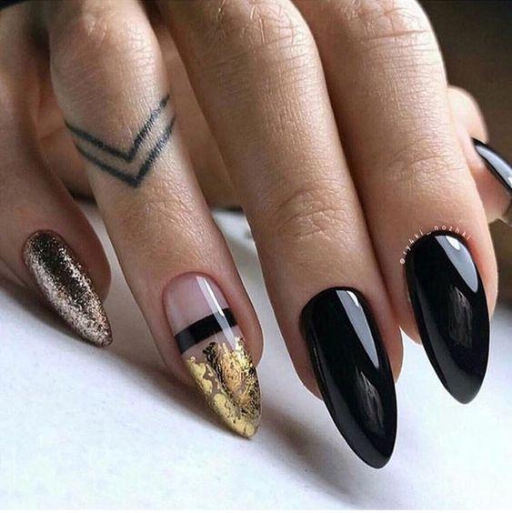 Czarno złoty manicure