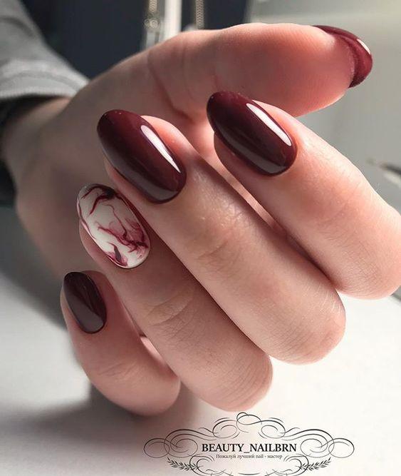 Eleganckie bordowe paznokcie