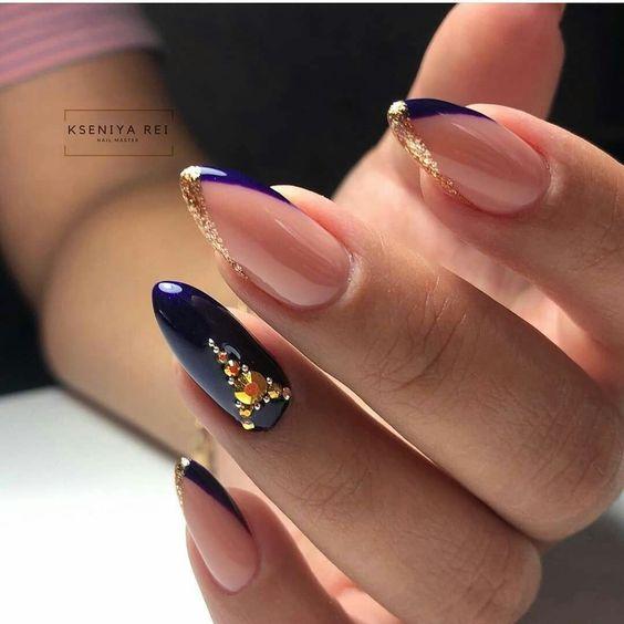 Fioletowo złote paznokcie