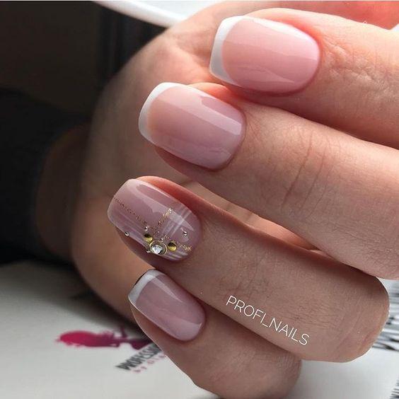 Francuskie paznokcie z wzorkami