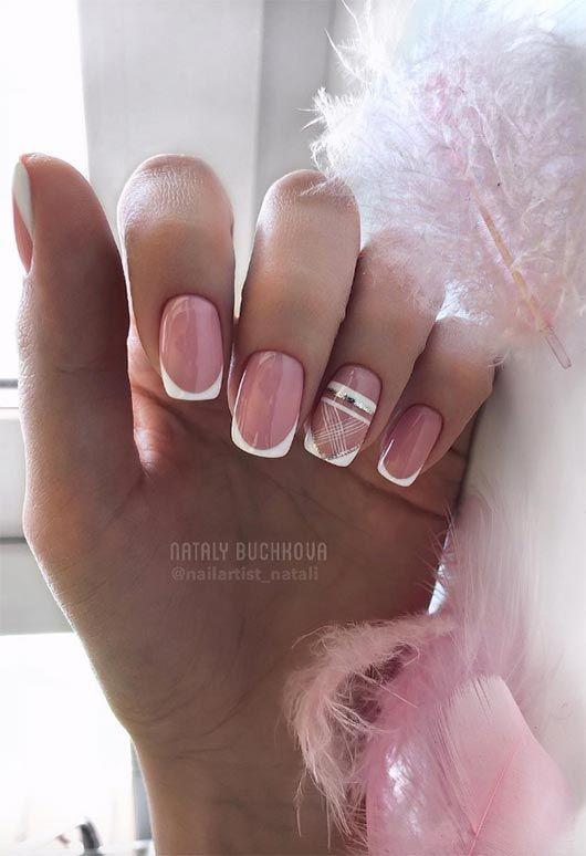 Manicure francuski z wzorkami