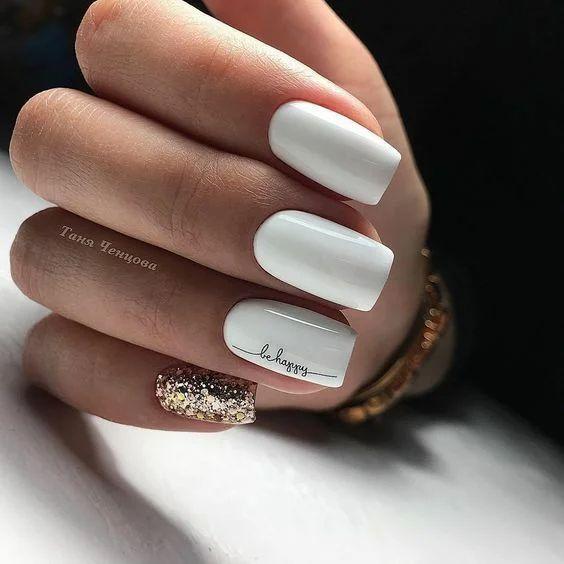 Złoto białe paznokcie