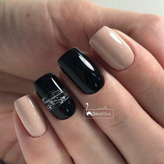 Czarno beżowe paznokcie z wzorkiem