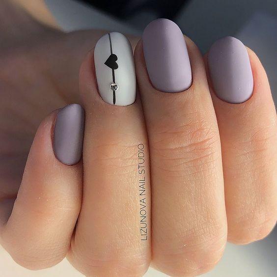Matowe paznokcie z wzorkiem