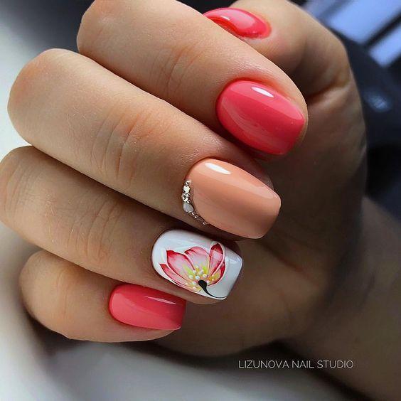 Wiosenny manicure z wzorkami
