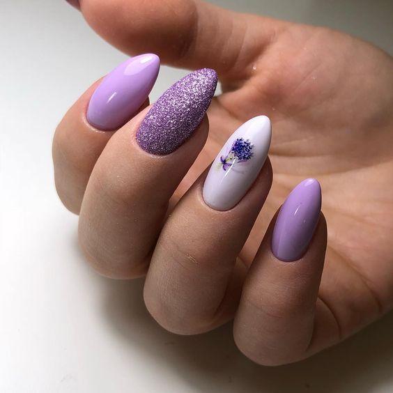 Wrzosowe paznokcie z brokatem