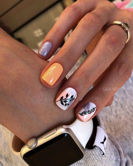 Kolorowy manicure na wiosnę z wzorkami