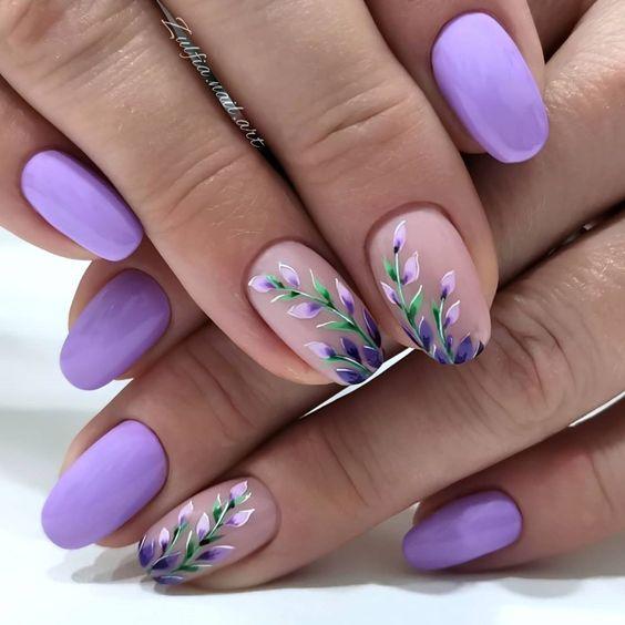 Wrzosowy manicure na wiosnę