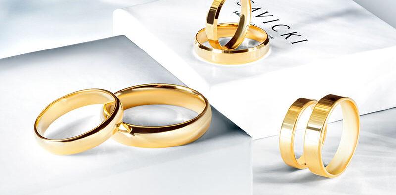 Jak dopasować obrączkę do pierścionka zaręczynowego?